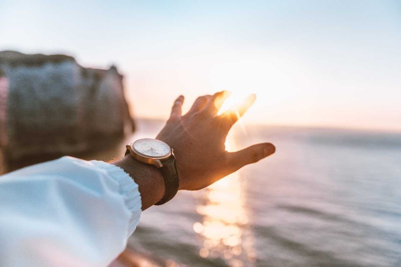 Spend Your Summer in Style: Four Summer Watch Trends