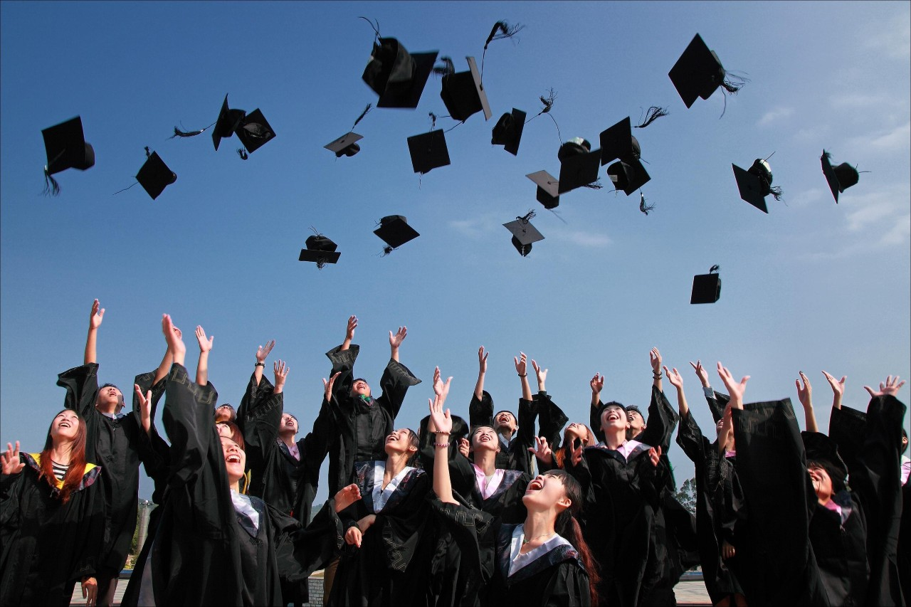 Let Your Graduate Remember This Moment with A Gift Guide from the Experts